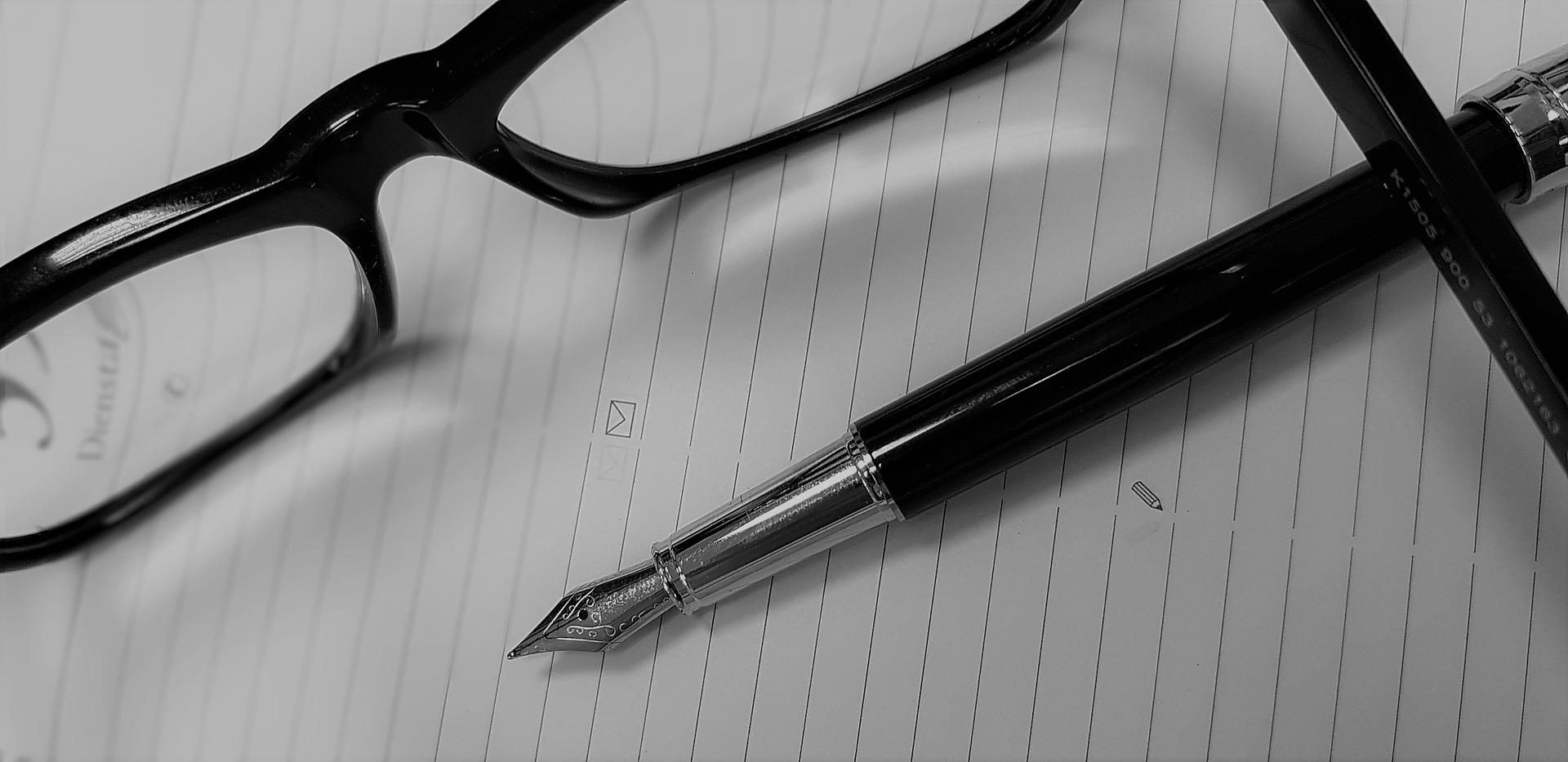 falsche Einträge kannst du einfach mit einem Musterbrief bei der SCHUFA löschen lassen